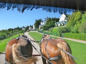 Tour Mackinac Island by horse carriage